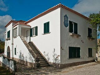 "QUINTA DE PAIOES Agroturismo. Camera familiare ""Lisboa"" - Mem Martins vacation rentals"