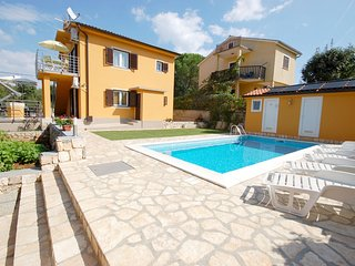 Apartment PLITVICE 1 in Malinska with pool and gym - Malinska vacation rentals