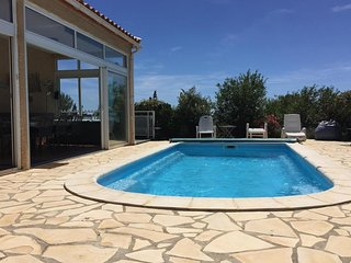 Lovely 4 bedroom Villa in Fitou with Internet Access - Fitou vacation rentals
