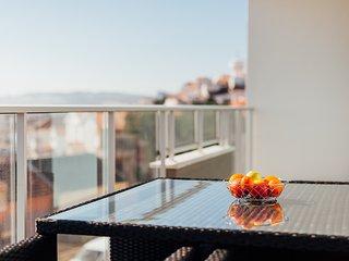 Apartamento T2 | Piscina, Ginasio e Jacuzzi em Sao Martinho do Porto - Sao Martinho do Porto vacation rentals