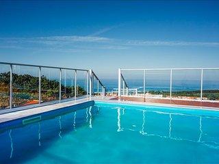 Apartamento T2 Com Piscina e Vista Deslumbrante para o oceano na Nazare - Nazare vacation rentals