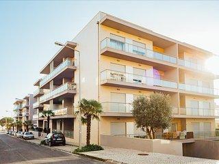 Apartamento T2 com Piscina Aquecida   Sao Martinho do Porto - Sao Martinho do Porto vacation rentals