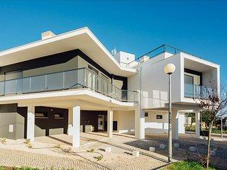 Apartamento T2 | Piscina e Parque Infantil | Zona Sul da baía de Sao Martinho do Porto - Salir do Porto vacation rentals