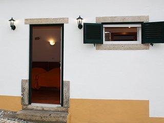"QUINTA DE PAIOES Agroturismo. Camera doppia ""Ericeira"" - Mem Martins vacation rentals"