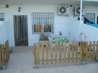apartamento bajo terraza y piscina economico vera colina 28B - Vera vacation rentals