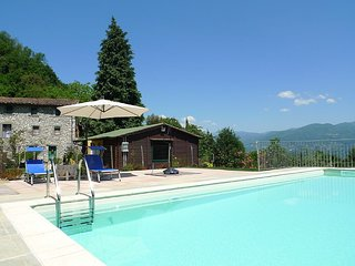 Large traditional villa with private pool, gym, wi-fi - beautiful garden - Stazzema vacation rentals