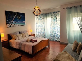CENTRAL APT 1 MIN TO BEACH Free Park - Costa da Caparica vacation rentals