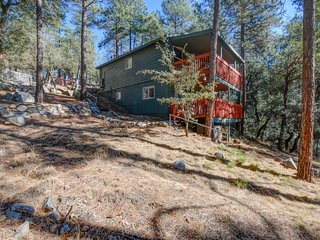 Gorgeous 2 bedroom Prescott Cabin with Deck - Prescott vacation rentals