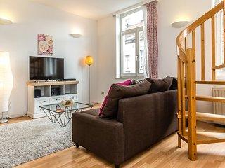 Comfortable 1bdr duplex in the European District - Brussels vacation rentals