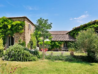 Bright 5 bedroom House in Poggio alle Mura - Poggio alle Mura vacation rentals