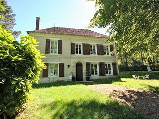 Comfortable 7 bedroom Manor house in Saint-Amand-en-Puisaye - Saint-Amand-en-Puisaye vacation rentals