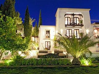 6 bedroom Villa in Sant Joan De Labritja, Ibiza : ref 2226534 - San Miguel vacation rentals