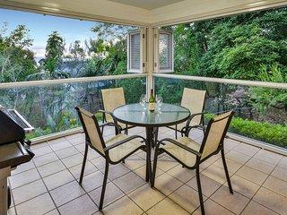 Perfect 2 bedroom Hamilton Island Apartment with A/C - Hamilton Island vacation rentals