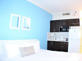 Design Suites Hollywood Beach 425 - Hollywood vacation rentals