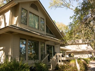Gorgeous House with Television and Central Heating - Saint Helena Island vacation rentals