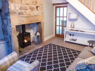 88 REGENT STREET, stone-built cottage, woodburner, pet-friendly, in Waddington, Ref 935618 - Waddington vacation rentals