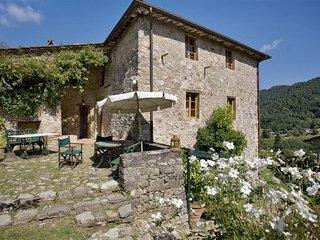 5 bedroom Apartment in Bozzano, Garfagnana, Tuscany, Italy : ref 2385728 - Monsagrati vacation rentals