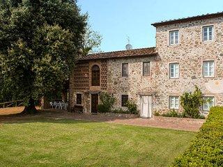 3 bedroom Apartment in Capannori, Tuscany Nw, Tuscany, Italy : ref 2385735 - Capannori vacation rentals