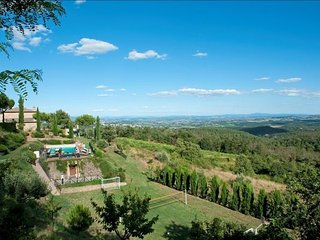 8 bedroom Apartment in Fornoli, Val D orcia, Tuscany, Italy : ref 2386195 - Scrofiano vacation rentals