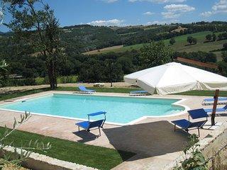 5 bedroom Apartment in Todi, Umbria, Italy : ref 2386245 - Todi vacation rentals