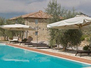 9 bedroom Villa in San Gusme, Chianti, Tuscany, Italy : ref 2386443 - San Gusme vacation rentals