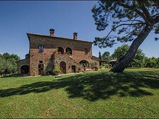 6 bedroom Villa in Torrita Di Siena, Val D orcia, Tuscany, Italy : ref 2386632 - Torrita di Siena vacation rentals