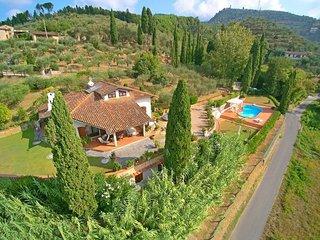 4 bedroom Apartment in Capezzano Pianore, Versilia, Tuscany, Italy : ref 2386701 - Capezzano Pianore vacation rentals