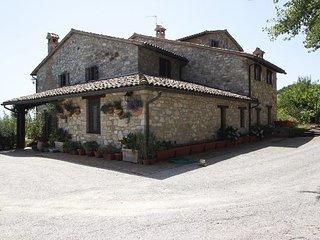 5 bedroom Apartment in Todi, Umbria, Italy : ref 2386702 - Todi vacation rentals