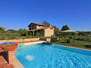 3 bedroom Apartment in Capannori, Tuscany Nw, Tuscany, Italy : ref 2386703 - Capannori vacation rentals