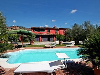 3 bedroom Apartment in Capannori, Tuscany Nw, Tuscany, Italy : ref 2386705 - Capannori vacation rentals