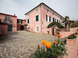 4 bedroom Villa in Corsanico-bargecchia, Versilia, Tuscany, Italy : ref 2386823 - Stiava vacation rentals