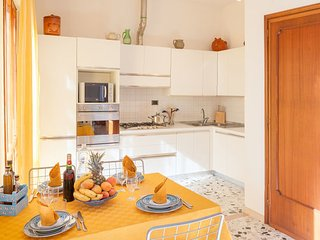 3 bedroom Apartment in Locorotondo, Apulia, Italy : ref 2386922 - Locorotondo vacation rentals