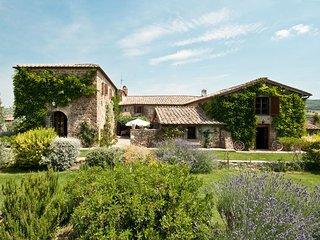 5 bedroom Villa in Argiano, Maremma, Tuscany, Italy : ref 2387081 - Poggio alle Mura vacation rentals