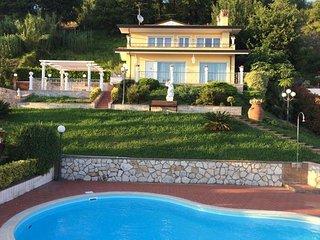 3 bedroom Villa in Corsanico, Versilia, Tuscany, Italy : ref 2387414 - Stiava vacation rentals