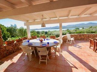 4 bedroom Villa in Porto Istana, Sardinia, Italy : ref 2387461 - Porto Istana vacation rentals