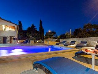 5 bedroom Villa with Deck in Premantura - Premantura vacation rentals