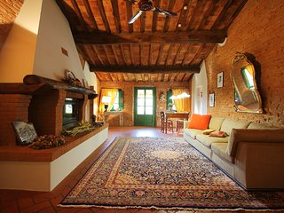 Il Camino - flat on olive farm with beautiful views and a pool - Montecastello vacation rentals