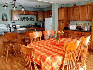 Private Dream Cottage with Hot Tub, Family Friendly Area for Outdoor Fun - Waynesville vacation rentals