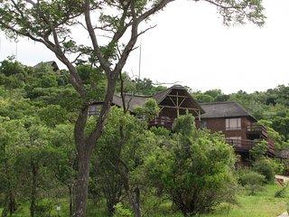 Spacious 5 bedroom Bela Bela Lodge with Deck - Bela Bela vacation rentals