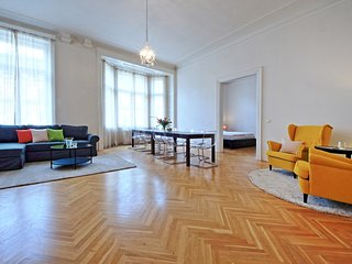Three Bedroom Apartment Louvre - Prague vacation rentals