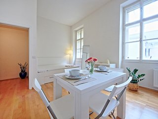 Cozy Condo with Internet Access and Washing Machine - Prague vacation rentals