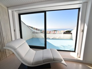 'Sea la Vie' - Direct Private Access to beach - Heated Pool - 25 mins from Porto - Esposende vacation rentals