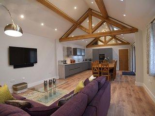 2 bedroom Condo with Hot Tub in Little Gransden - Little Gransden vacation rentals