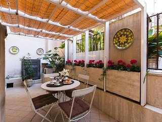 Modern and quite apartment in Campo dei Fiori - Rome vacation rentals