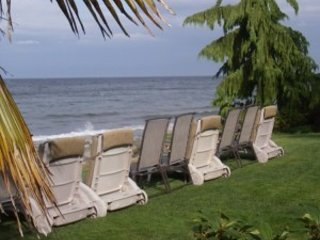 Secluded Beachfront 2 Bedroom Suites clams/oysters fish and kayak from shore - Qualicum Beach vacation rentals