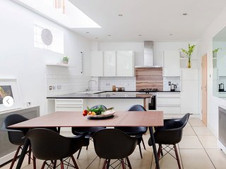 SENSATIONAL MEWS HOUSE - London vacation rentals