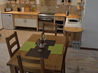 Lovely renovated cottage in Puivert, walking distance to restaurants and bars - Puivert vacation rentals