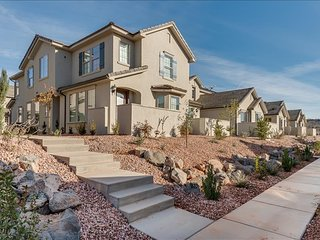 Holiday Oasis Brand New 3 Bedroom Near Zion National Park! - Veyo vacation rentals