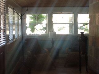 Charming 3 bedroom Cottage in Indian Rocks Beach - Indian Rocks Beach vacation rentals