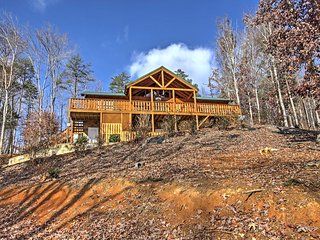 NEW! Private 3BR Newport Cabin w/ Peaceful Views! - Newport vacation rentals